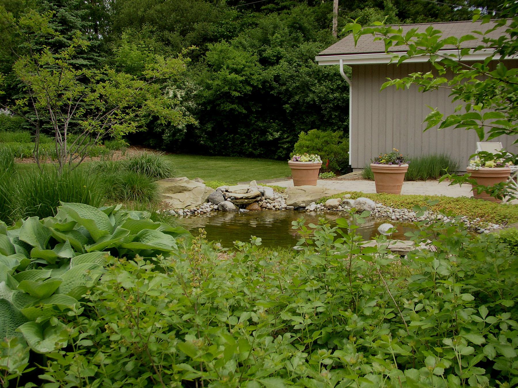 Hollowell associates inc ann arbor landscaping for Landscaping rocks ann arbor